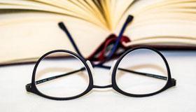黑框眼镜在风水中不提倡戴的原因