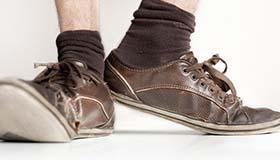 周公解梦梦见鞋坏了有什么寓意呢