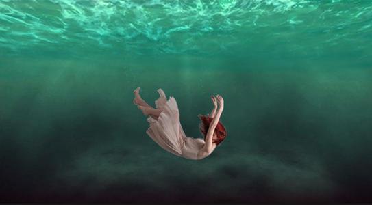 做梦梦见落水是什么征兆 说明什么