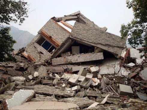做梦梦见房塌 高楼倒塌是好事还是坏事