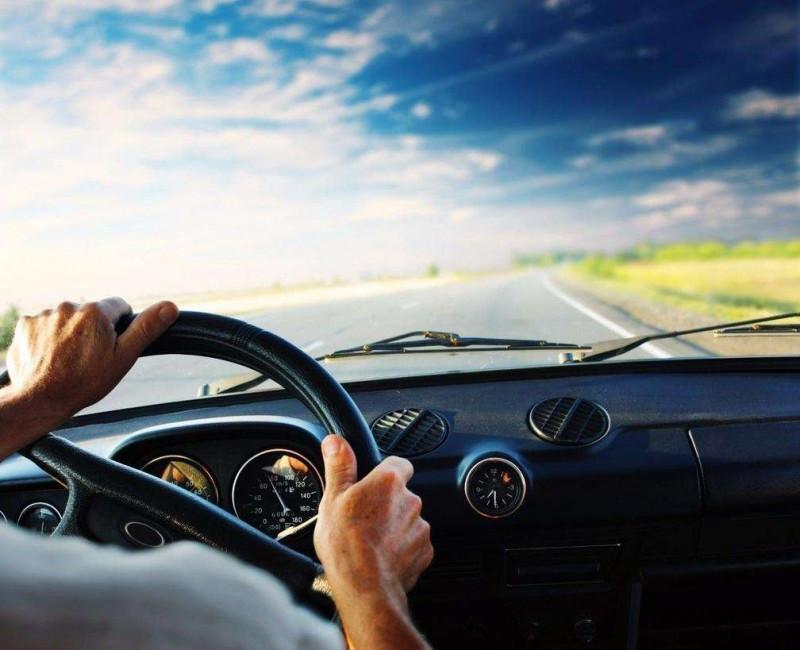 开车的风水讲究 火命的人适合开什么颜色的车