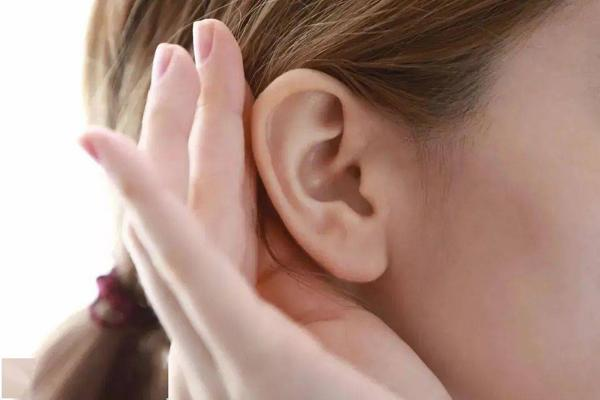讲解女人耳朵垂珠到底是不是是富贵命