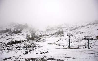 梦见山上下雪了周公解梦意味着什么