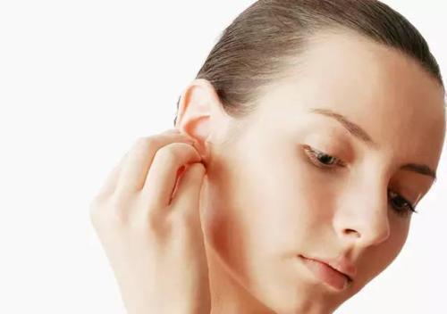 女人右边耳朵热有什么预兆 是好兆头吗